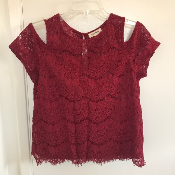 Monteau Tops - Monteau Lace blouse
